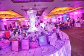 Auction tables